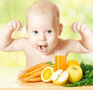Много фруктов должно присутствовать в ежедневном рационе ребенка.