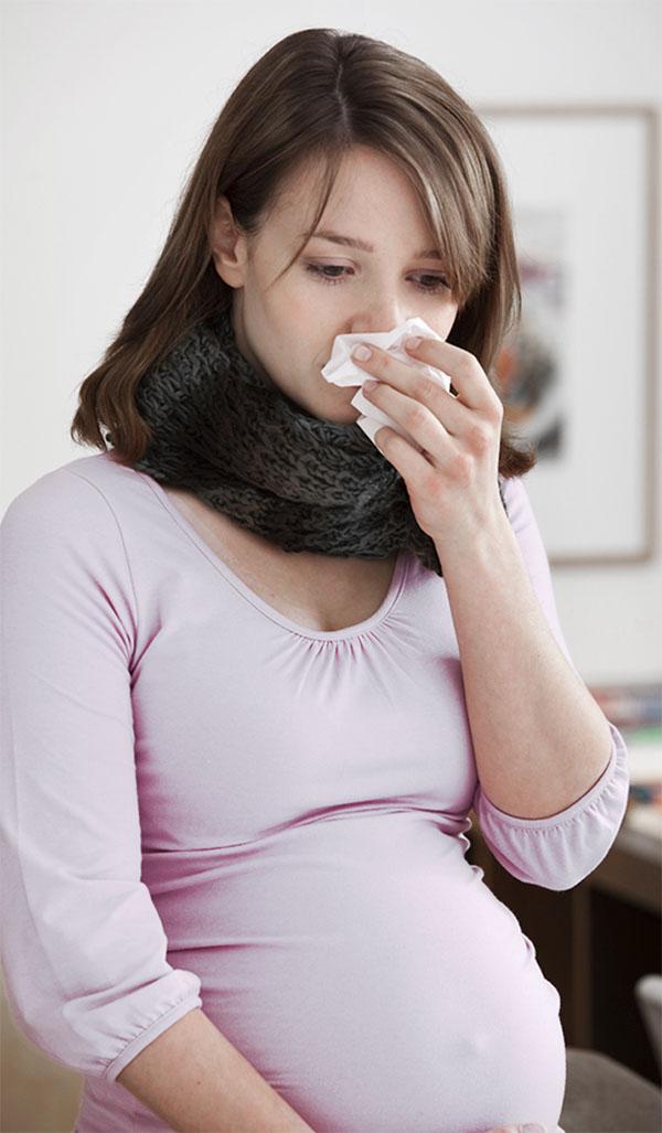 Вирусы способны проникать через плаценту и влиять на формирующиеся системы организма малыша.