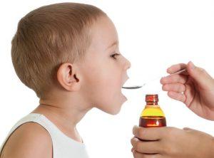 Назначать лекарства ребенку может только доктор!