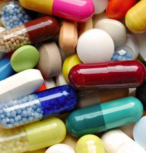 В зависимости от стадии зоба возможно медикаментозное лечение.
