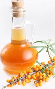 Облепиховое масло поможет при различных воспалениях горла.