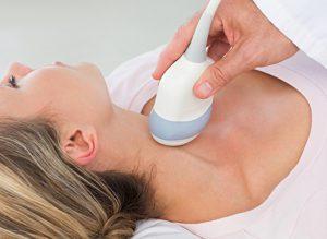 УЗИ позволяет выявить аномалии в развитии железы.