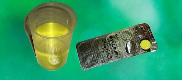 Промывания фурацилиновым раствором ускорят выздоровление.
