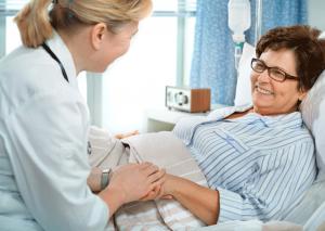 При тяжелом течении болезни проводят госпитализацию.