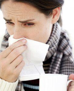 Отек гортани может развиться как осложнение после гриппа.