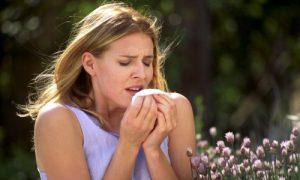 Аллергический кашель который возникает при отеке горла.