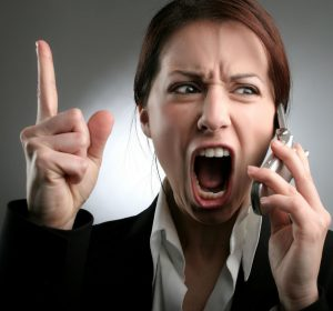 Учащенный пульс - один из симптомов проблем с щитовидкой.