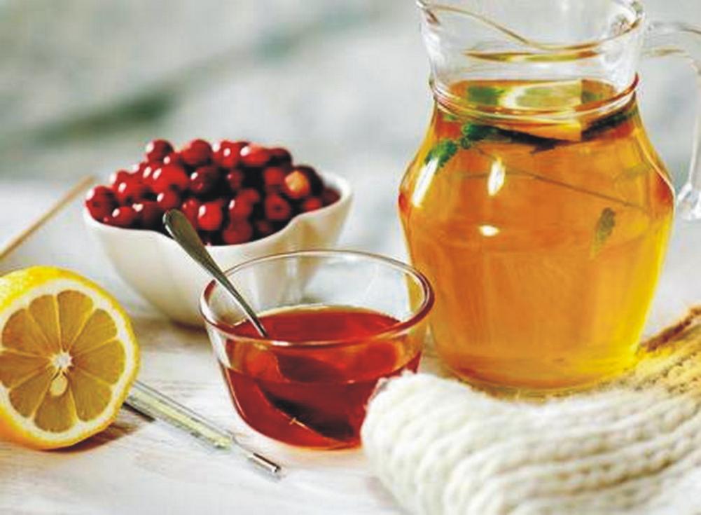 Чтобы снизить температуру, нужно пить побольше жидкости.