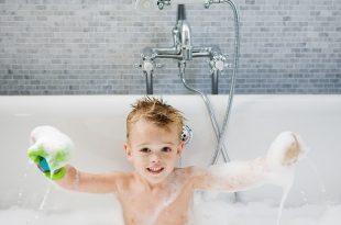 можно ли купать при насморке ребенка